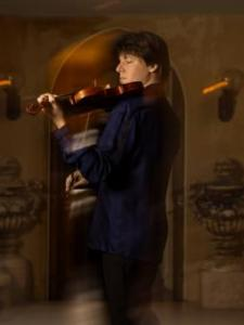 Joshua Bell playing